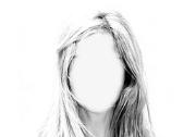 Weibliches Porträtbild ohne Gesicht.